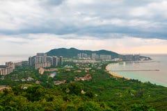 Красивый панорамный вид курортного города, Китая, Хайнаня Городок Sanya популярное туристское назначение в Китае стоковые изображения