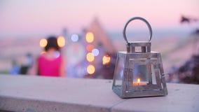 Красивый фонарик со свечой акции видеоматериалы