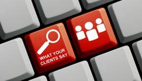 Красная клавиатура компьютера: Чего ваши клиенты говорят стоковая фотография