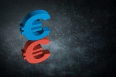 Красные и голубые символ или знак валюты ЕС с отражением зеркала на темной пылевоздушной предпосылке стоковое фото rf