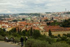 Красные крыши в Праге стоковые фотографии rf