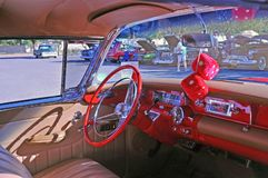 Красный интерьер Buick 2 дверей особенный стоковые фотографии rf