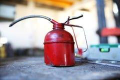 Красный Oilcan иллюстрация штока