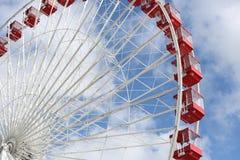 Красное колесо Ferris стоковая фотография rf