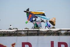 Красное событие Bull Flugtag на парке Yarkon стоковая фотография rf