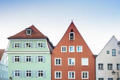 Красочные дома в Landsberg до полудня Lech, Германии стоковое изображение