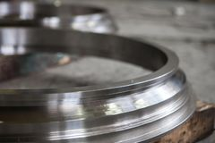 круглый пробел металла частей металла близко вверх стоковая фотография rf