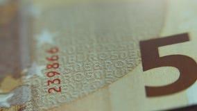 Крупный план денег бумаги примечания евро 50 Взгляд макроса Карта европы сток-видео