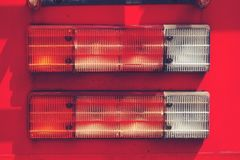 Конец вверх по тележке пожарного Taillight, пожарной машине стоковые фотографии rf