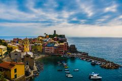 Ландшафт Vernazza Cinque Terre Италии стоковые фотографии rf