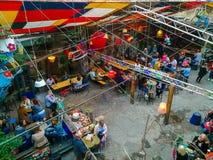 Люди в баре в Будапеште, Венгрии стоковые изображения