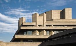 Лондон, Великобритания - 17-ое февраля 2007: Королевский национальный театр конструированный господином Denys Lasdun как увидено  стоковое изображение