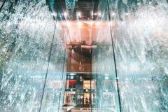 Магазин Яблока в Милане, Италии стоковое изображение rf