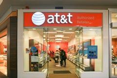 Магазин розничной торговли AT&T AT&T Inc американские Радиосвязи Корпорация IX стоковые фотографии rf
