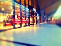Магазин одежды в галерее одежды стоковое фото rf