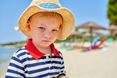 Мальчик малыша на пляже стоковое изображение rf