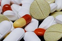 Масса таблеток медицины стоковое фото