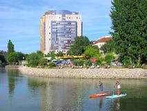 Местные люди, остатки и водные виды спорта в Вене, Австрии стоковое фото rf