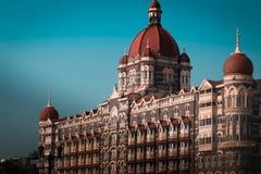 Мумбай, Инди-март 14,2019: гостиница Тадж-Махала в cente города, ворот Индии стоковое изображение