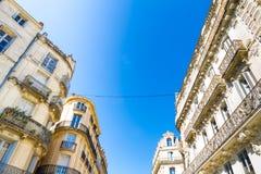Монпелье, Франция Исторические здания в руте Foch в солнечном дне стоковая фотография rf