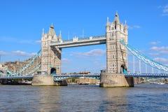 Мост башни Лондона летом стоковая фотография rf