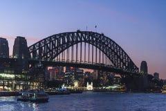 Мост гавани вечером, Сидней, Австралия стоковые фото