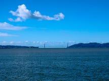 Мост золотых ворот на солнечном после полудня стоковое фото