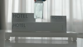 Набор гигиены гостиницы 5 деталей сток-видео