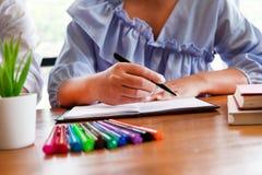 Наведение образования уча консультируя совет стоковая фотография