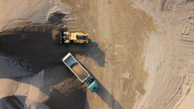 Надземное timelapse бульдозера в под открытым небом карьере сток-видео