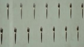 Натюрморт, вилки, красивые вилки, черно-белые вилки, столовый прибор, черно-белое фото, коллаж, текстура, металл акции видеоматериалы