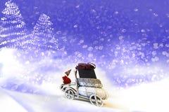 небо klaus santa заморозка рождества карточки мешка Санта Клаус в автомобиле стоковые фотографии rf