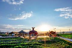 Новая сельская местность Panzhihua, фарфора в заходе солнца стоковое изображение rf