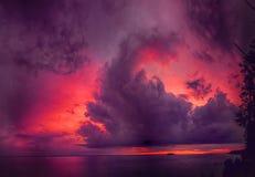 Панорама драматического неба с облаками стоковые изображения rf