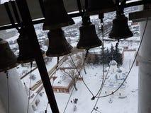 Панорама Suzdal в зиме Взгляд колокольни rizopolozhensky монастыря, часть золотого кольца ЮНЕСКО России стоковые фото