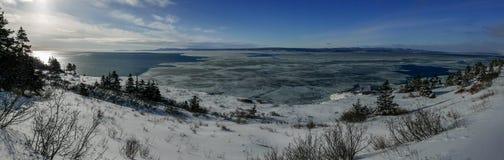 Панорамный вид залива Gaspe принятого от крышки Gaspe стоковое фото