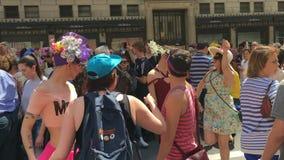 Парад пасхи на Пятом авеню в Нью-Йорке