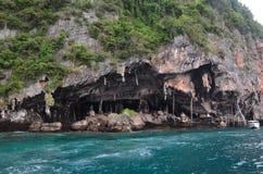 Пещера Викинга на островах Phi Phi, Таиланде стоковая фотография