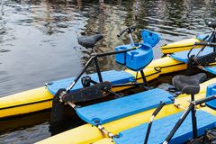 Плавая каяки велосипеда стоковое изображение