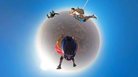 Планета Skydiving тандемная небольшая стоковые фото