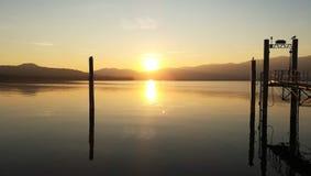 Прекрасное заход солнца озера Итали Lagomaggiore мистический стоковая фотография rf