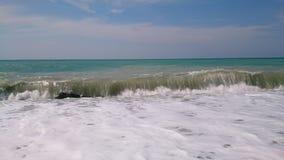 Прибой моря на пляже стоковые фотографии rf