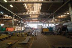 принципиальная схема промышленная Обзор на строительной площадке внутри изготовляя плиты стоковые изображения rf