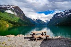 Природа Норвегия озера Lovatnet красивая стоковая фотография