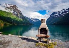 Природа Норвегия озера Lovatnet красивая стоковое изображение rf