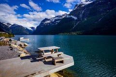 Природа Норвегия озера Lovatnet красивая стоковые изображения rf
