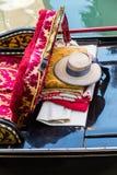Пожитки gondolier на гондоле стоковое изображение rf