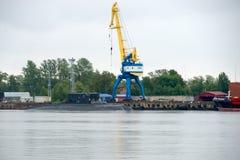 Подводные лодки отдыхают. KRONSTADT, SAINT PETERSBURG, RUSSIA - AUGUST 21, 2017: warships docked in Peter the great middle harbour Stock Images