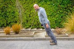 Постный вперед мужск человек стоковая фотография