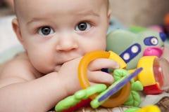 Ð与玩具的¡ hild 免版税库存图片